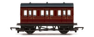 Hornby RailRoad LMS 4 Wheel Coach - R4671
