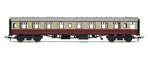 R4813 - Hornby RailRoad BR Mk1 Corridor Second Coach 'E25002', BR Crimson & Cream