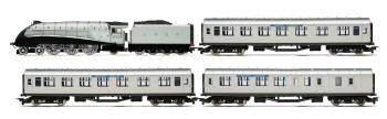 Hornby Silver Jubilee Train Pack - R3174