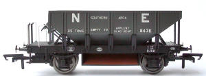 Model Railway Wagon - Hornby ZFO/ZFP (Trout) Ballast Hopper