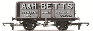 Hornby A & H. Betts 7 Plank Wagon - R6590