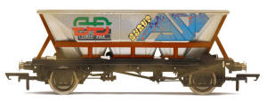 Hornby BR Railfreight HAA MGR Wagon � Weathered, Graffiti - R6709