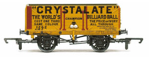 R6810 - Hornby 'Crystalate' - 7 Plank Wagon
