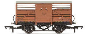Hornby Dia.1529 Cattle Wagon, British Railways - Era 4 - R6838A