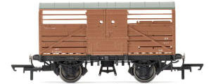 Hornby Dia.1530 Cattle Wagon, British Railways - Era 4 - R6840