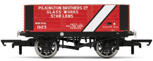 Hornby 6 Plank Wagon, Pilkington Bros. - Era 3 - R6870