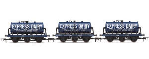 Hornby 6-Wheel Milk Tanks, three pack, Express Dairy - Era 3 - R6884