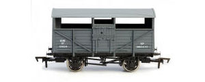 4F-020-003 - Dapol Cattle Wagon GWR 13824