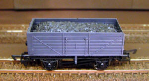 Dapol Model Railway Wagon - Unpainted 7 Plank Wagon - A002