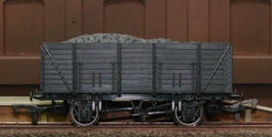 Dapol Model Railway Wagon - Unpainted 9 Plank Wagon - A007