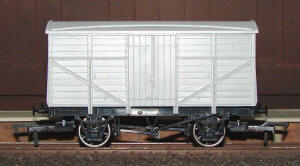 Dapol Model Railway Wagon - Unpainted Fruit Van Wagon - A011