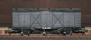 Dapol Model Railway Wagon - Unpainted Fruit D Wagon - A013