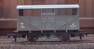 Dapol Model Railway Wagon - GWR Cattle Wagon - B500