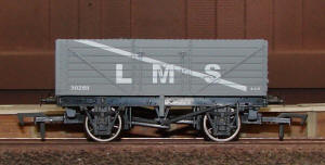 Dapol Model Railway Wagon - 7 Plank LMS Wagon - B758