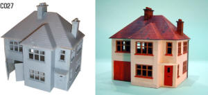 Dapol Model Railway Plastic Kits - Detached House- C027