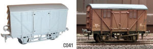 Dapol Model Railway Plastic Kits - 10T Ventilated Meat Van - C041
