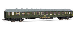 Electrotren HO Guage Model Railway - Hornby International - HE18010 2nd class coach, RENFE BB-8705