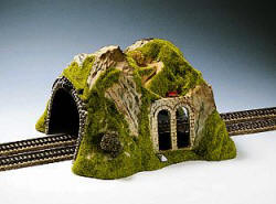 Noch -Straight Tunnel, Double Track, 30 x 28 cm,17 cm Height - N02430