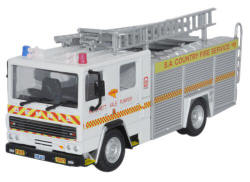 Oxford Diecast South Australia Country Fire Service Dennis RS Fire Engine - 76DN004