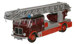 Oxford Diecast - Newcastle Fire Brigade AEC Mercury TL - 76AM002